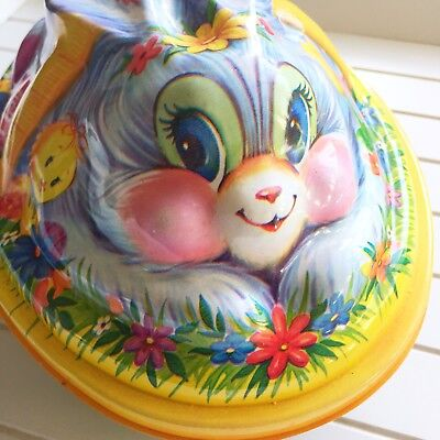 Vintage Plastic Molded Easter Bunny Rabbit Container Box with Lid 2 Pieces