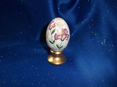 Beautiful Fenton Hand Painted Egg - Signed By S. Bryan - Great Condition