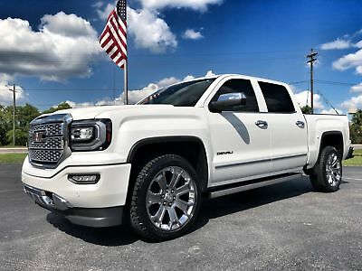 "2017 GMC Sierra 1500 DENALI ULTIMATE PACKAGE AWD CREWCAB 6.2 V8 DENALI*ULTIMATE*6.2 V8*22""S*POWER BOARDS*MOONROOF*NAV*WI-FI*1 OWNER*CARFAX CERT"