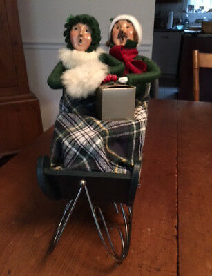 BYERS' CHOICE Ltd. THE CAROLERS 1995 SLEIGH with GENTLEMAN & LADY VG. Condition