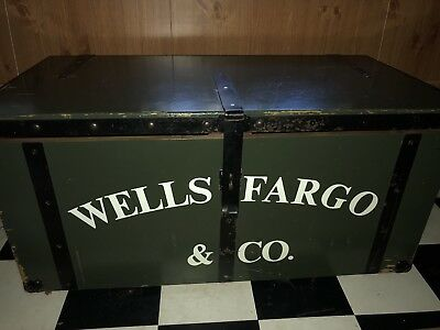 Extremely Rare! 1967 Lane Trunk Chest Wells Fargo Stagecoach Strong Box w/ Key