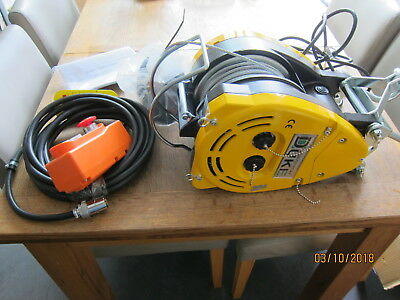 300kg Electric Wire Rope Scaffold Gantry Lifting Hoist Winch 240v 30mtr Lift