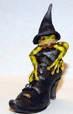 Harmony Kingdom Artist Neil Eyre Designs Halloween witch frog hat boot shoe LE50