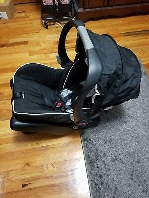 BRITAX B-Safe Infant Car Seat(Pick up only)
