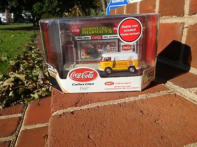 Matchbox Collectibles 2002 Coca-Cola '67 Volkswagen Delivery Van Diorama Display