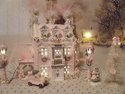 6 Pc.chic Victorian Pink Christmas Village Light Up House & Lamp Post / Car/tree