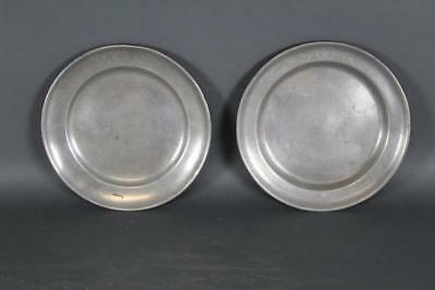 """Rare Signed Pair Of 18Th C 8"""" English Pewter Plates Engraved Initials """"gl P"""""""