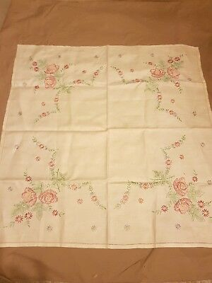 BEAUTIFUL VINTAGE LINEN HAND EMBROIDERED TABLECLOTH ~ floral design stunning
