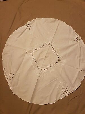 BEAUTIFUL VINTAGE LINEN HAND EMBROIDERED TABLECLOTH ~ small white side table