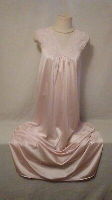 Vintage-VANITY FAIR~PINK~LACE~NYLON~LONG-NIGHT GOWN~SMALL~WOW L@@K SEXY!!!