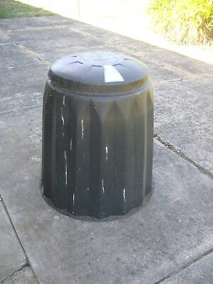 COMPOST BIN, Very Good Condition.