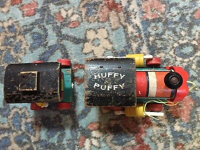 Vintage FISHER-PRICE  Huffy Puffy #999 Train Engine Wood Pull Toy & Caboose