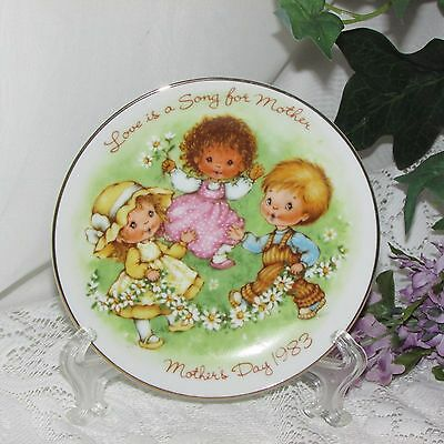 """Avon Mother's Day Miniature Collector Plate Love Is A Song 5"""" Trinket Dish 1983"""