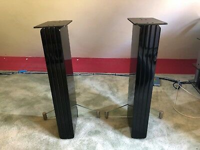 Q Accoustic Concept 20 Speaker Stands in Gloss Black and Glass