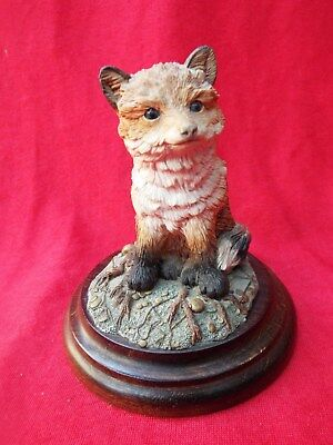 COUNTRY ARTISTS Fox Cub Sitting CA270 Figurine Hand Painted