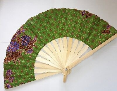 Traditional Batik Print Bamboo Hand Folding Hand Fan Small Malaysi Va139S-3