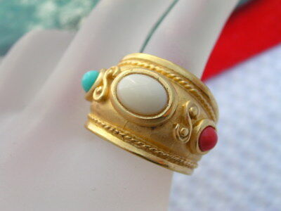Costume Jewelry  Gold Tone Etruscan Revival Glass Cabochon Ring SZ Size 6