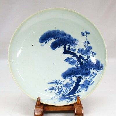 H247: Real old Japanese plate of NABESHIMA porcelain of appropriate fine tone