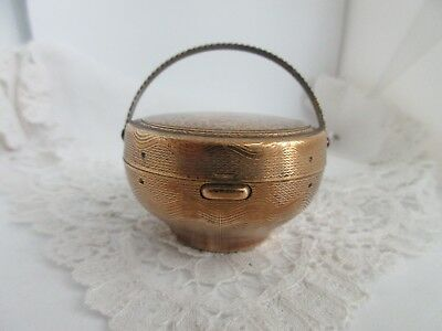 Vintage brass basket compact,THIS IS AS NICE AS CAN BE,VERY VERY NICE!
