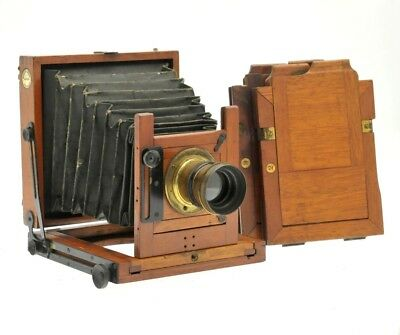 A VINTAGE MARLOW BROS THE 'MB' No4, Wood and Brass Plate camera with Lens