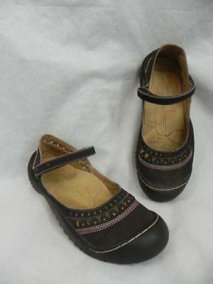 43bc138d0e1 J-41 womens 7M Jeep Adventure-on OASIS Brown Mary Janes SHOES Vegan Sporty