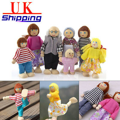 7 Family Wooden People doll House Sweetbee figures flexible of Dolls house NEW