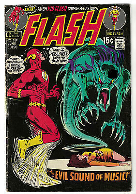 DC Comics THE FLASH The Fastest Man Alive Issue 207 The Evil Sound Of Music! VG