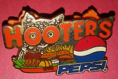 Hooters Restaurant Collectible Pin Owl Pepsi Staff