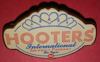 Hooters Restaurant Collectible Pin International Swimsuit Pageant Rare