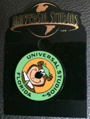 Universal Studios Yogi The Bear Collectible Pin Authentic Original Vintage Rare