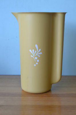 Retro Vintage Tupperware Jug   Harvest Gold Yellow Colour pitcher LWt1