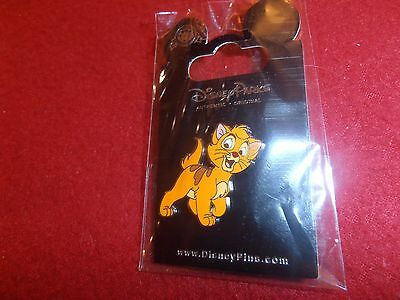 1 Disney Pin  Oliver & Company - Oliver New on Card As Seen lot 6