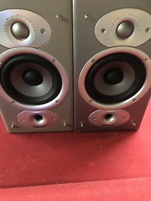 2 Polk Audio Rti4 Bookshelf Speakers