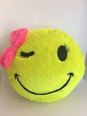 EMOJI PILLOW JUSTICE Girls Wink Smile with Bow Yellow Sparkle Eyes