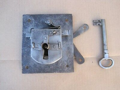 Antique Hand Forged Iron Door Lock Latch And Key - Barn Gate Castle B9606