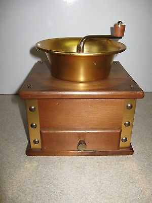 Wood Manual Coffee Grinder With Removable  Tray Drawer Made in Japan