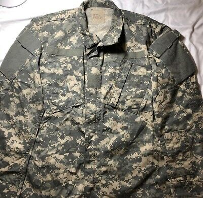 US Army Combat Digital Camo Coat Jacket Size Small/Regular