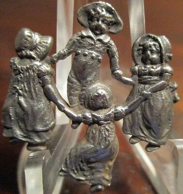 "1940s FRENCH WHITE METAL BUTTON ""KIDS~PLAYING GAME"" VINTAGE ANTIQUE REALISTIC"