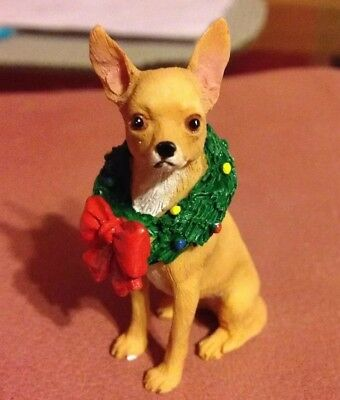 Danbury Mint Chihuahua Dog Figurine With Christmas Wreath Very Nicely Done