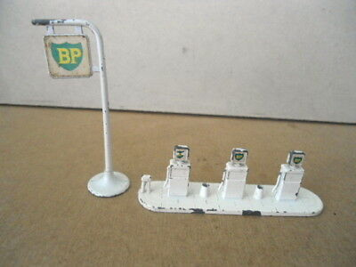 Matchbox Accessory Pack no.1 BP Petrol Station & Sign , Vintage Diecast