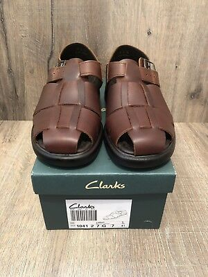 52d67c16df6 NEW Boxed Mens Clarks Lariat Brown Leather Sandals Comfort Shoes UK size 7