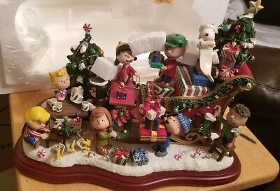 Peanuts Christmas Sleigh Sculpture Danbury Mint
