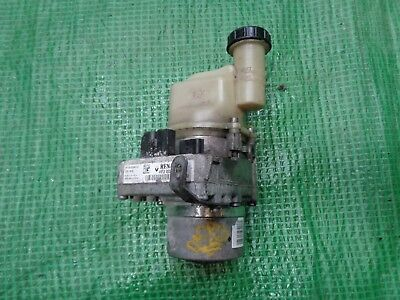 Dacia Sandero 2013 Power Steering Pump 4911 025 83R