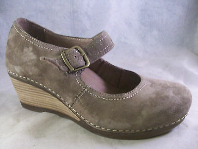 5e0bc029a1ca Dansko Women s Sandra Buckle Strap Wedges Taupe Nubuck 38 8 Medium  150