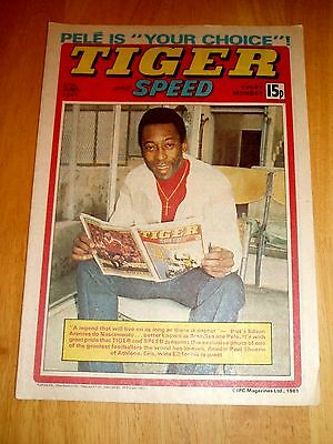 Tiger Comic 27/6/81  Pele Cover &  Nottinghamshire Cricket Team Centre Poster