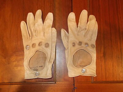 Vintage Pair Aris Beige Leather Driving Gloves -Size 7 1/2 Mother of Pearl Snaps