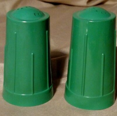 SALT AND PEPPER SHAKERS, DARK GREEN, mid century,  - MADE IN USA,,VINTAGE