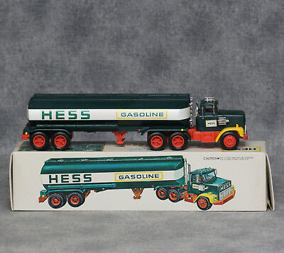 1978 Hess Oil Tanker Truck With Original Box, Inserts, Battery Card