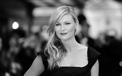 Kirsten Dunst With Hair On The Shoulder 8x10 Quality Photo Print