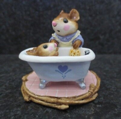 Wee Forest Folk Mom & Squeaky Clean WFF M - 60 M60 Collectible Figurine Bath